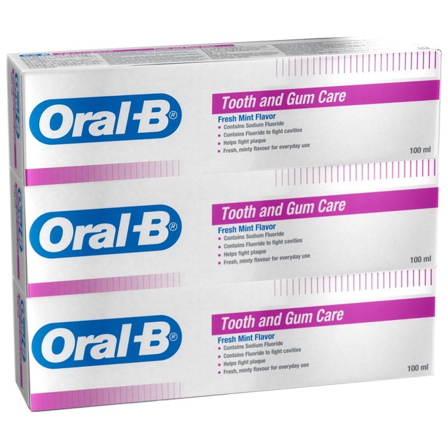 Oral-B Tooth and Gum Care Toothpaste Fresh Mint 100ml x 3